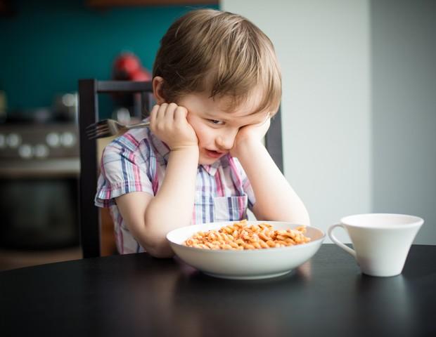 O que fazer quando a criança não quer comer? (Foto: Thinkstock)