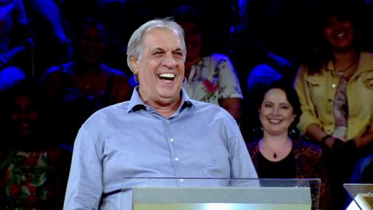 Confira a história de Alberto, 1º participante da nova temporada do 'Quem Quer Ser Um Milionário?'