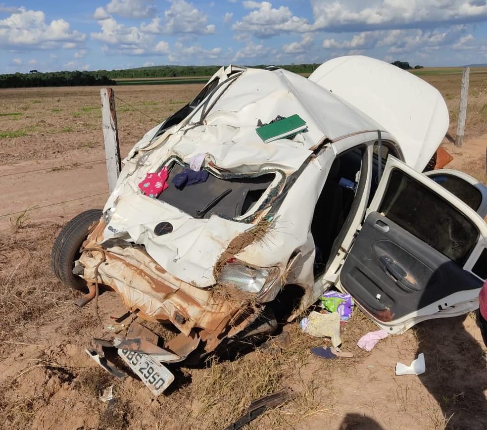 Carro capotou em rodovia e deixou uma criança morta em MT — Foto: Divulgação