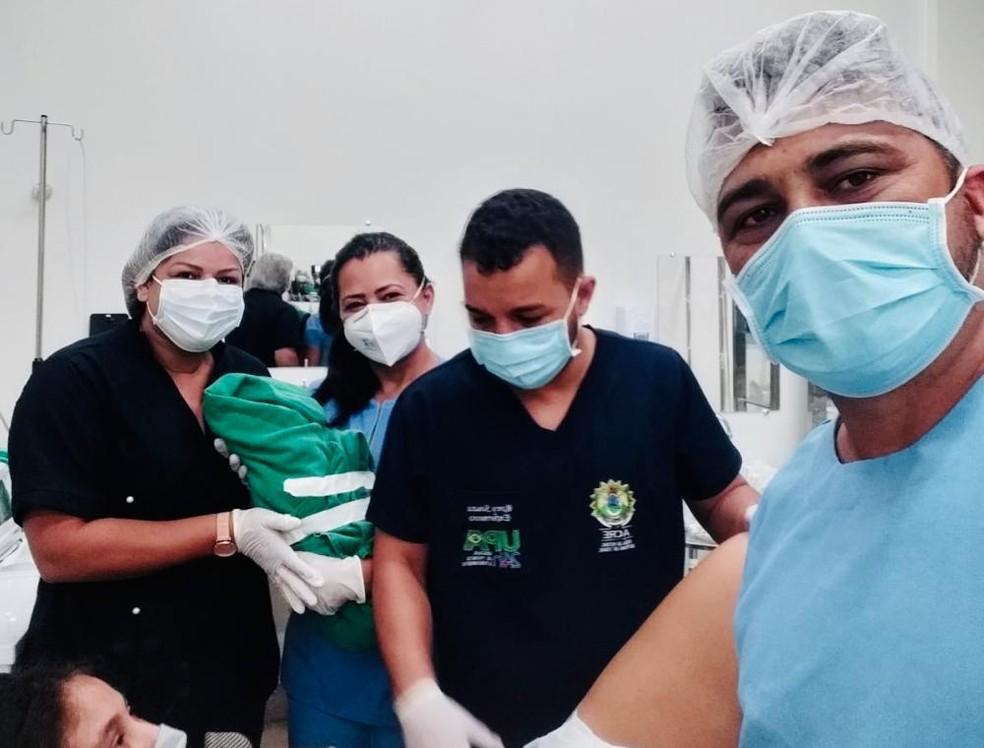 Equipe da UPA fez parto na emergência da unidade — Foto: Arquivo pessoal