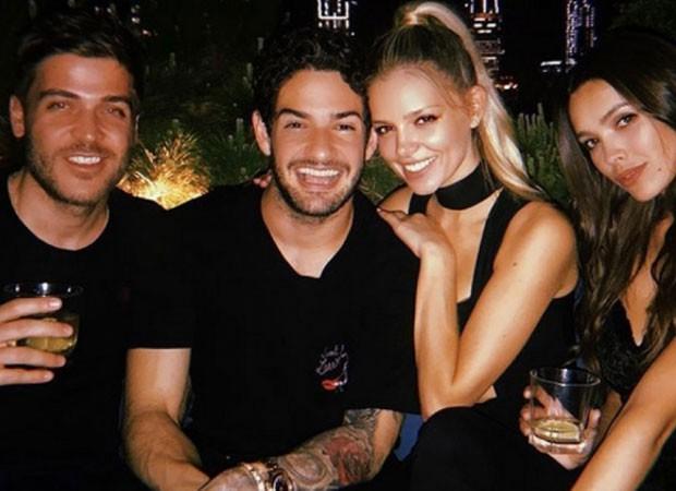 Alexandre Pato e a namorada, Danielle Knudson, com amigos (Foto: Reprodução Instagram)