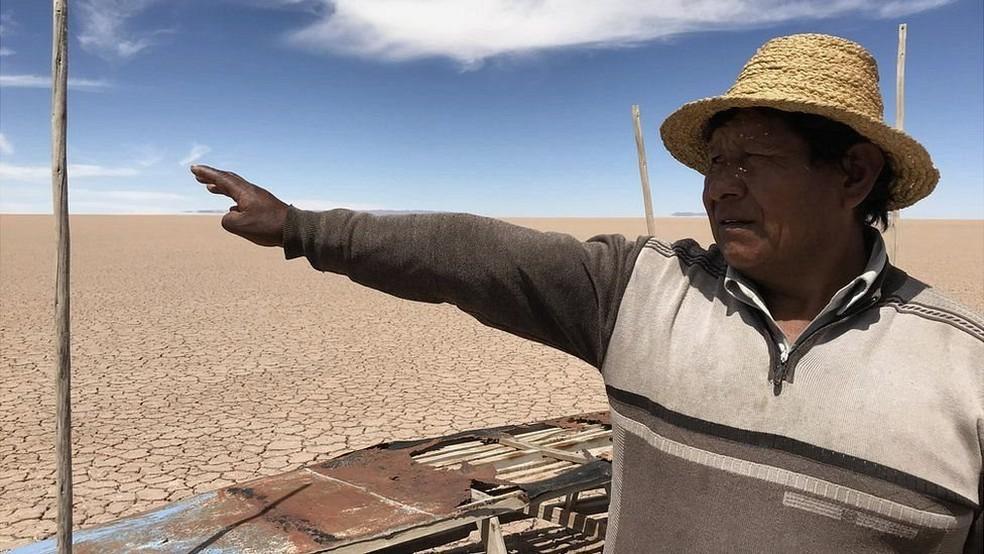 'Desde que o Poopó secou, nós, urus, somos órfãos', disse Flores (Foto: BBC)