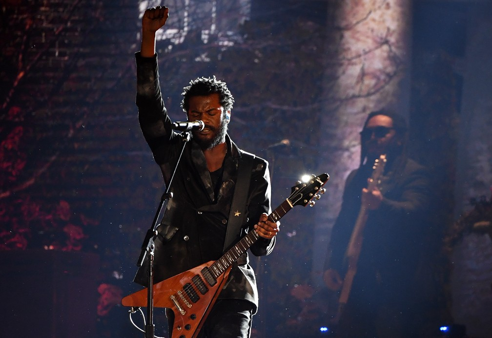 Gary Clark Jr. canta no Grammy 2020 — Foto: Robyn Beck / AFP