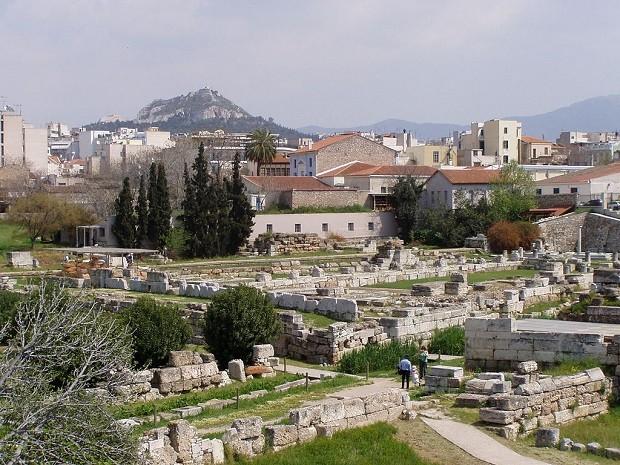 Keramikos, em Atenas, une o passado histórico da cidade e a juventude inovadora (Foto: Wikimedia Commons)
