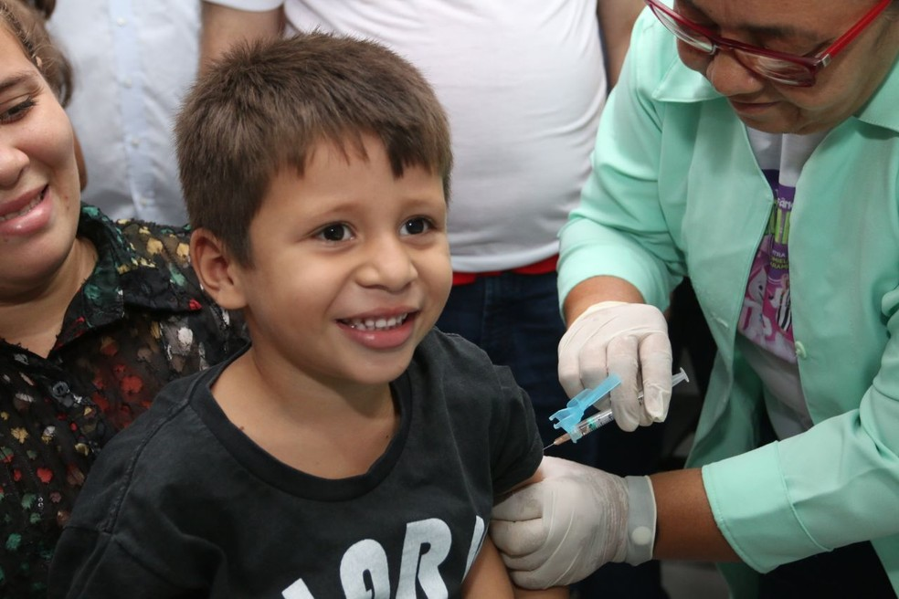 Crianças de 1 a 5 anos são público-alvo da campanha nacional de vacinação contra o sarampo e a pólio — Foto: Erasmo Salomão/Ministério da Saúde