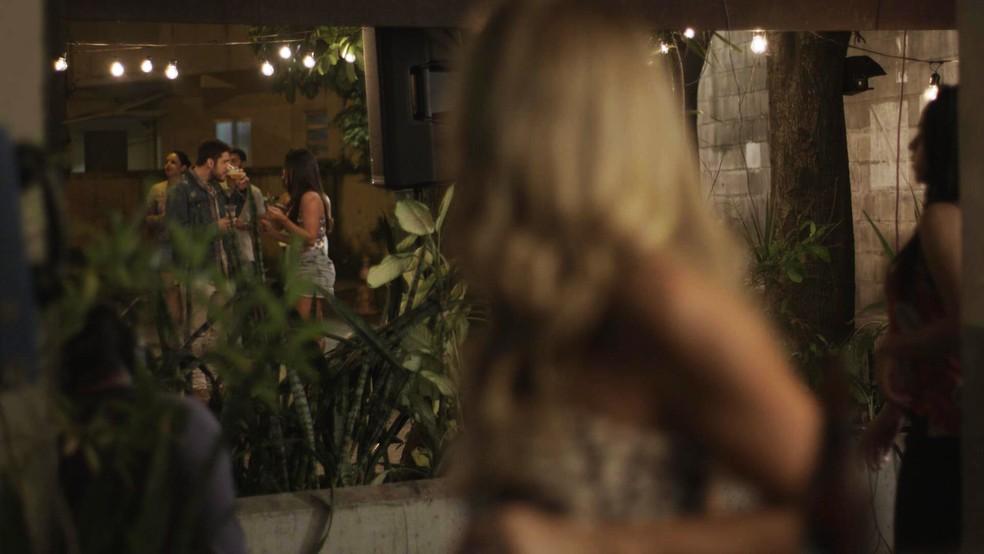 Em 'A Força do Querer', Jeiza (Paolla Oliveira) e Zeca (Marco Pigossi) têm recaída — Foto: TV Globo
