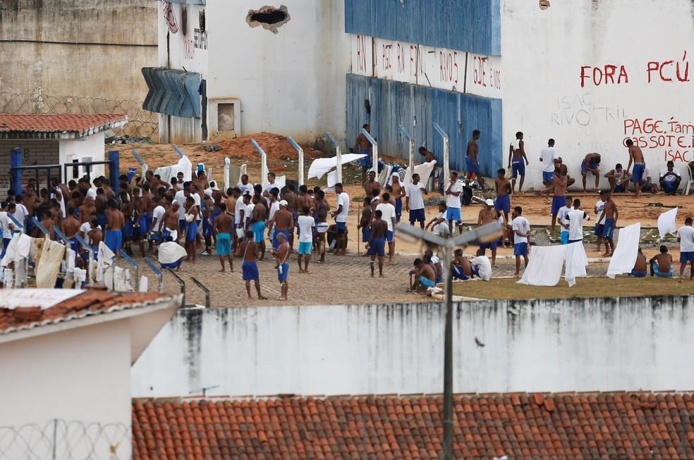 Em janeiro de 2017, presos do pavilhão 5 invadiram o pavilhão 4 e 26 detentos foram mortos — Foto: Nacho Doce/Reuters