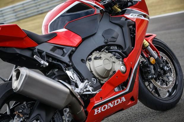Honda CBR 1000RR Fireblade (Foto: divulgação)