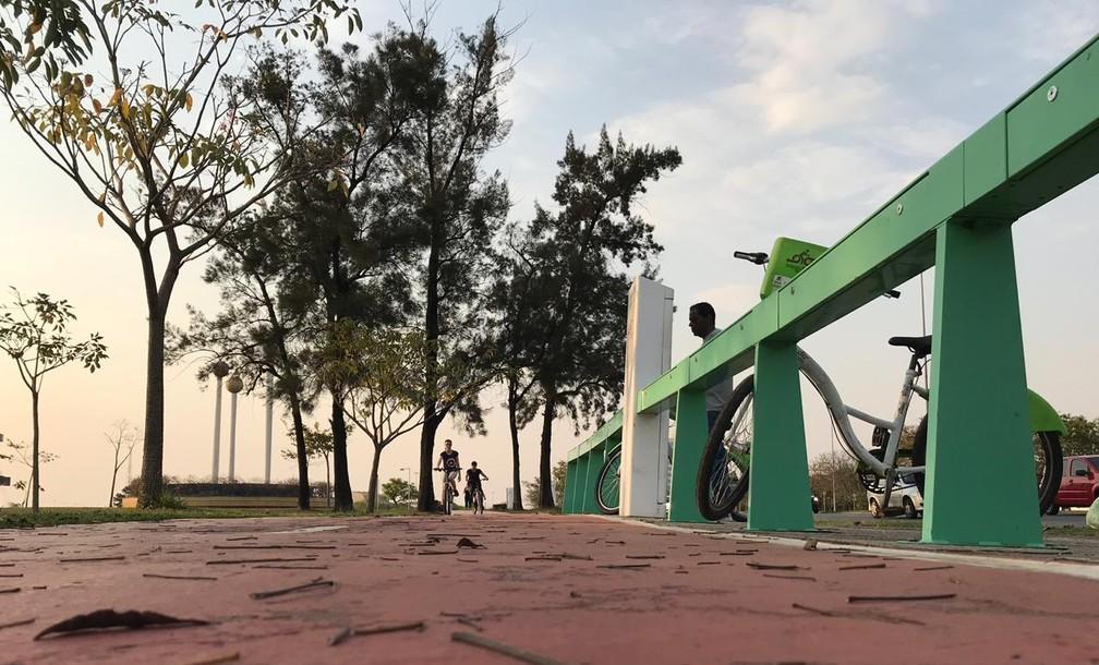 Sorocaba oferece bicicletas para a população — Foto: Carlos Dias/G1