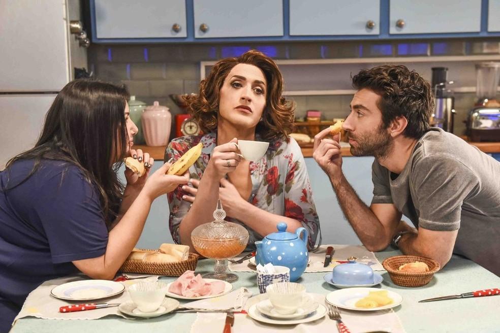 Mariana Xavier, Paulo Gustavo e Rodrigo Pandolfo em cena de 'Minha mãe é uma peça 2'  — Foto: Divulgação