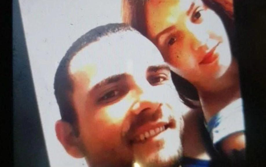 Brasileiro suspeito de matar a mulher se entrega à polícia na França