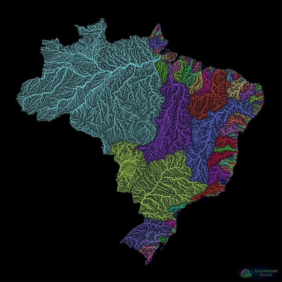Húngaro registrou diversidade da rede fluvial brasileira em cores vivas, em uma galeria que reúne mais de 100 partes do mundo — Foto: Grasshoppergeography.com