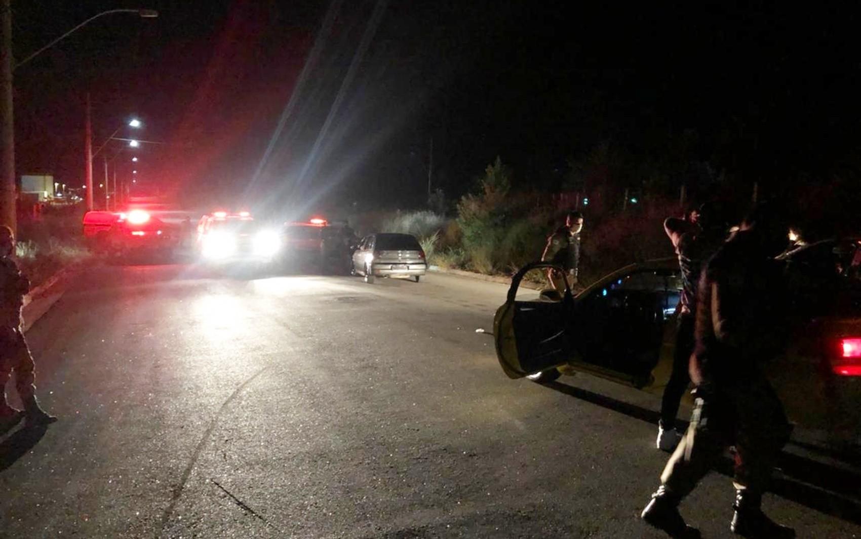 Polícia Militar interrompe festas clandestinas em Poços de Caldas, MG