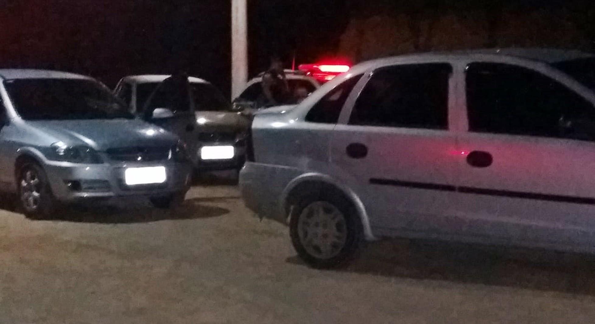 Polícia apreende nove veículos com documentação irregular em Poços de Caldas, MG - Notícias - Plantão Diário