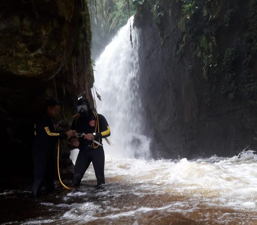 Mergulhadores do Corpo de Bombeiros fizeram buscas por corpo de contadora por 14 dias (Foto: Divulgação/Corpo de Bombeiros)