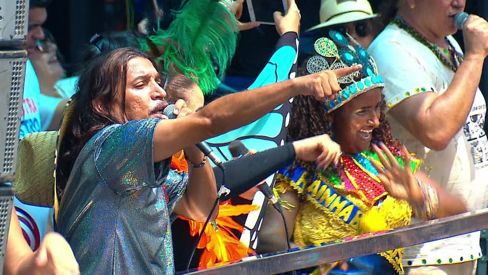 Ed Carlos é uma das atrações do Galo da Madrugada 2020 — Foto: Reprodução/TV Globo