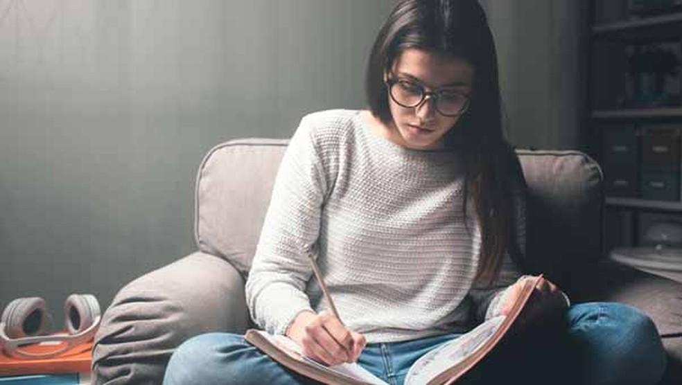 Permanecer offline enquanto estuda faz o seu tempo render e ajuda você a manter-se focado (Foto: Shutterstock)