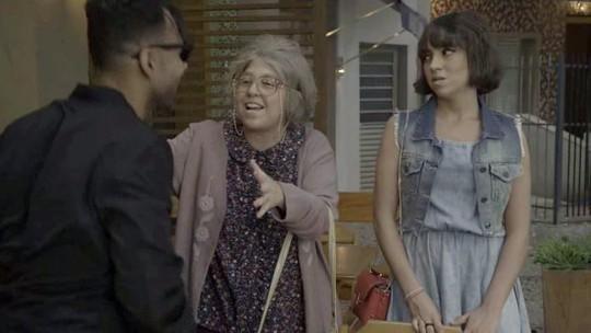 Dona Cotinha encontra seu ídolo