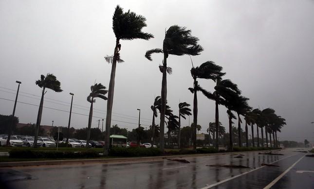 Furacão Irma atinge Boca Raton, na Flórida