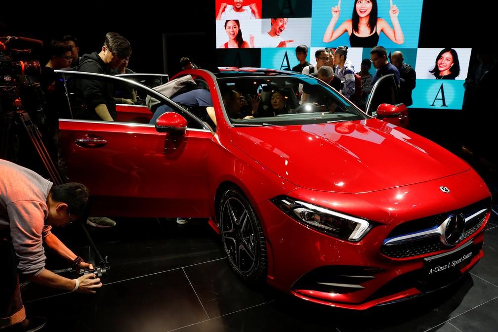 Mercedes-Benz Classe A Sedan foi apresentado nesta terça-feira em Pequim (Foto: Damir Sagolj/Reuters)