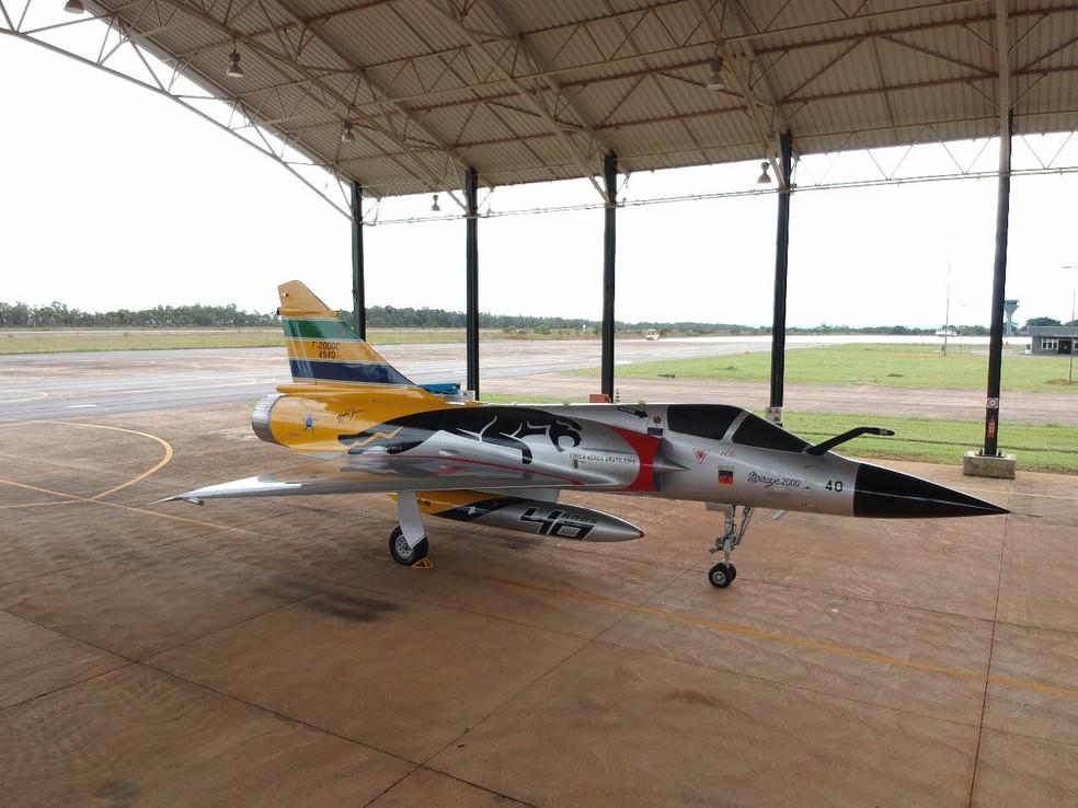 Mirage 2000C, avião que ainda tem a assinatura de Ayrton Senna — Foto: Divulgação/ Instituto Ayrton Senna