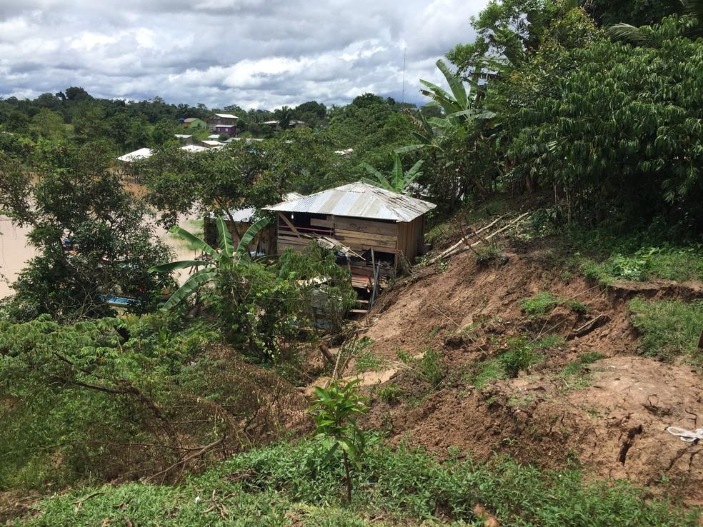 Quase 400 casas foram atingidas por deslizamento de terra em Marechal Thaumaturgo  — Foto: Divulgaçãoo/Asscom Prefeitura
