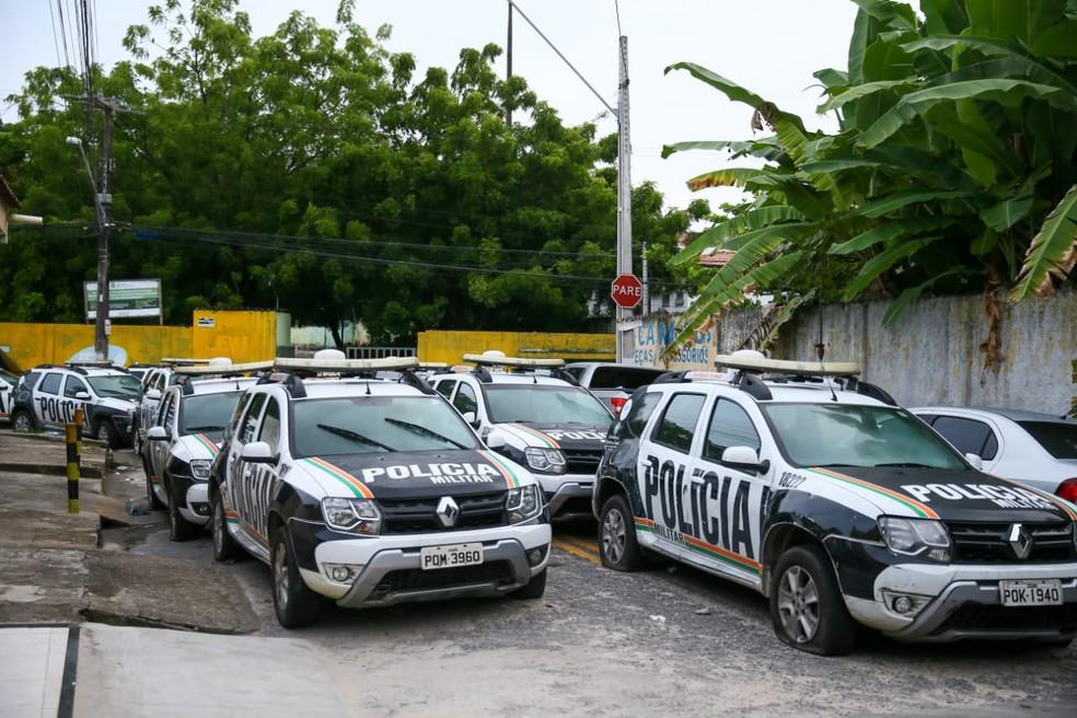 Policiais continuam paralisados e amotinados em batalhões no Ceará — Foto: Camila Lima/SVM
