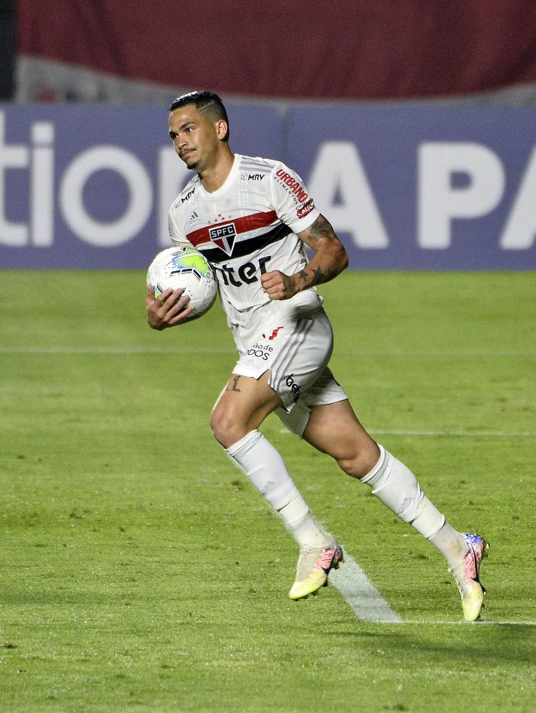 Luciano está fora do São Paulo contra o River Plate — Foto: Marcos Ribolli
