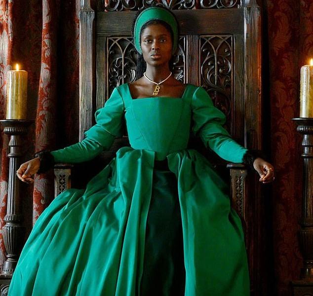 A atriz Jodie Turner-Smith como a Rainha Ana Bolena (1501-1536) (Foto: Divulgação)