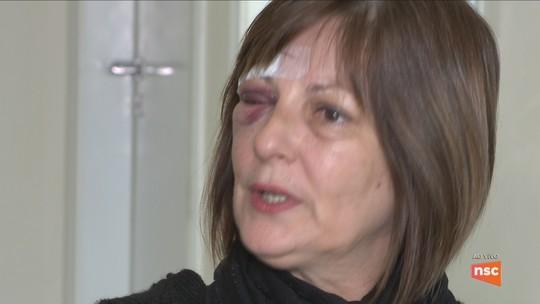 Mãe de aluno pede desculpas à professora agredida em escola