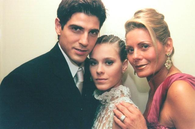 Reynaldo Gianecchini, Carolina Dieckmann e Vera Fischer em 'Laços de família' (Foto: Divulgação)