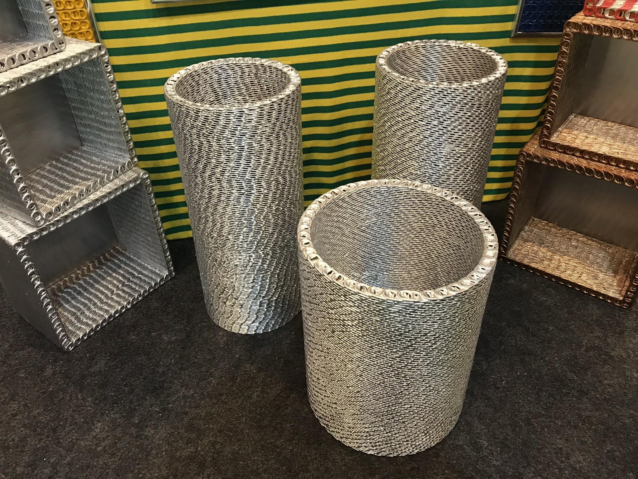Material reciclado é transformado em objetos de decoração e esculturas, na Fenearte