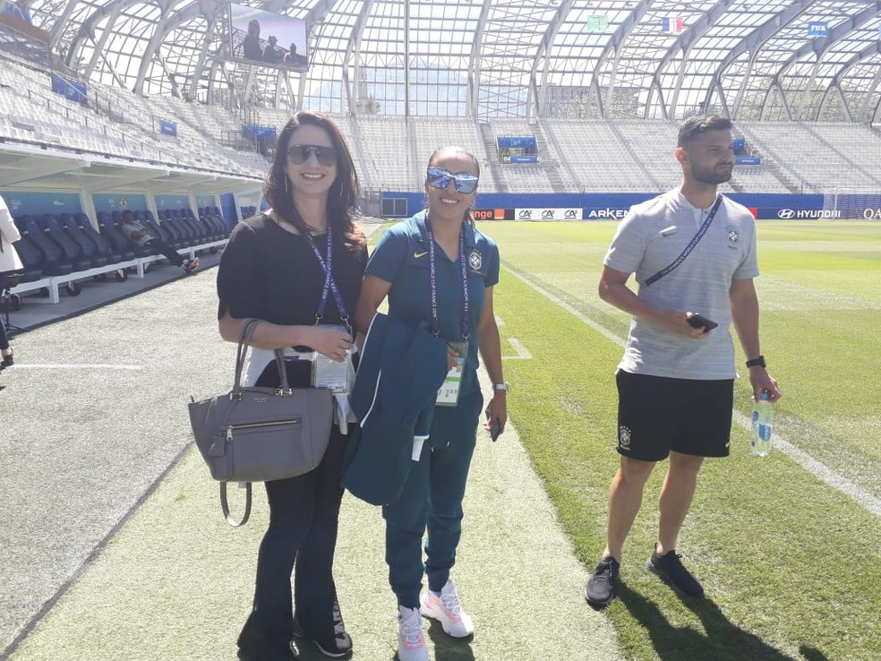 Marta reconhecimento Estádio dos Alpes Grenoble Seleção — Foto: Denise Thomaz Bastos / GloboEsporte.com