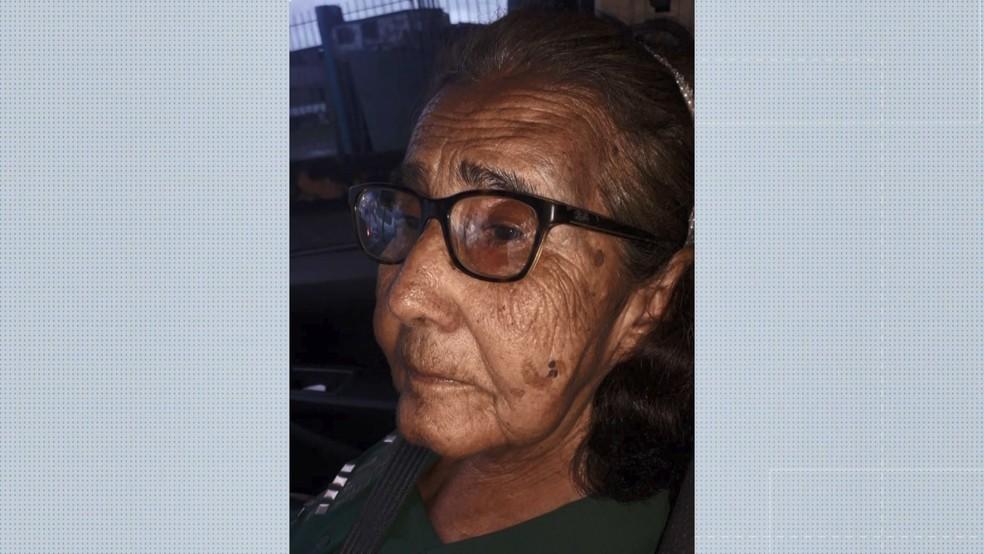 Idosa de 80 anos ficou ferida em acidente na Serra, ES — Foto: Reprodução/TV Gazeta