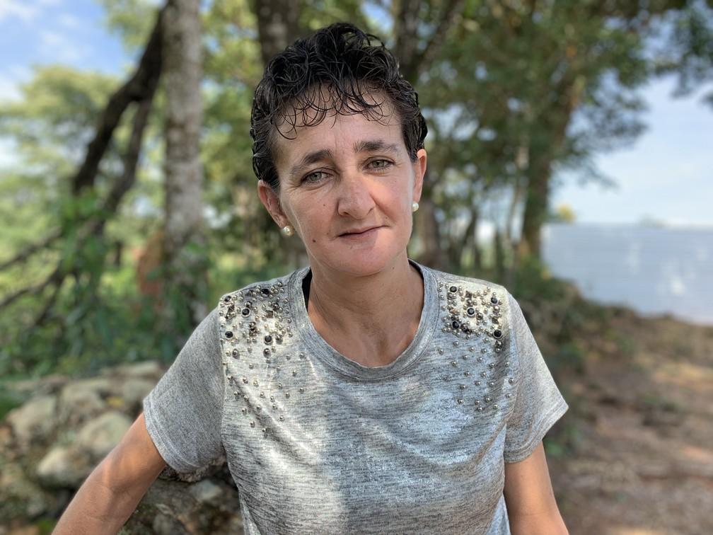 Sônia Alves Moreira, de 45 anos, sente-se muito abalada com toda a tragédia — Foto: Raquel Freitas/G1