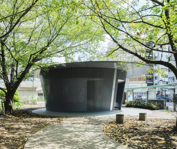 Tadao Ando projeta banheiro público escultural em Tóquio (Foto: Satoshi Nagare / Divulgação)