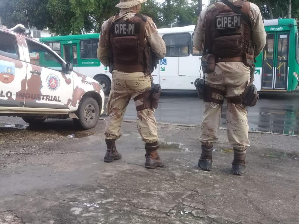 Policiais militares em Salvador — Foto: Cid Vaz / TV Bahia