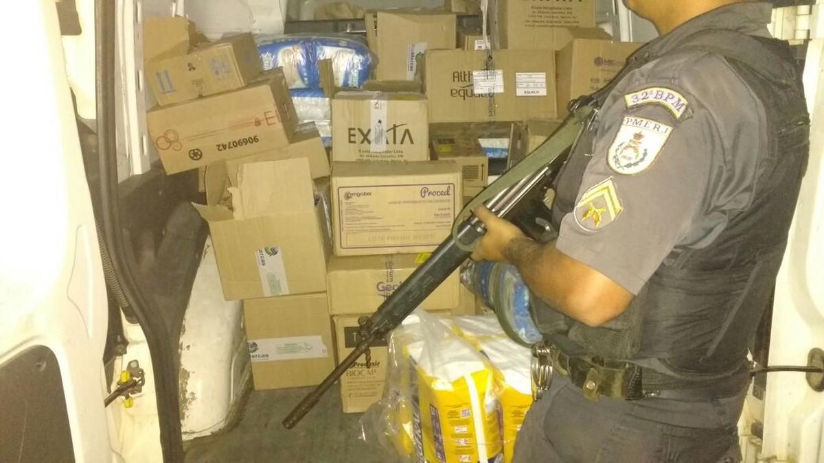 Polícia Militar recupera carga roubada no segundo distrito de Cabo Frio, no RJ