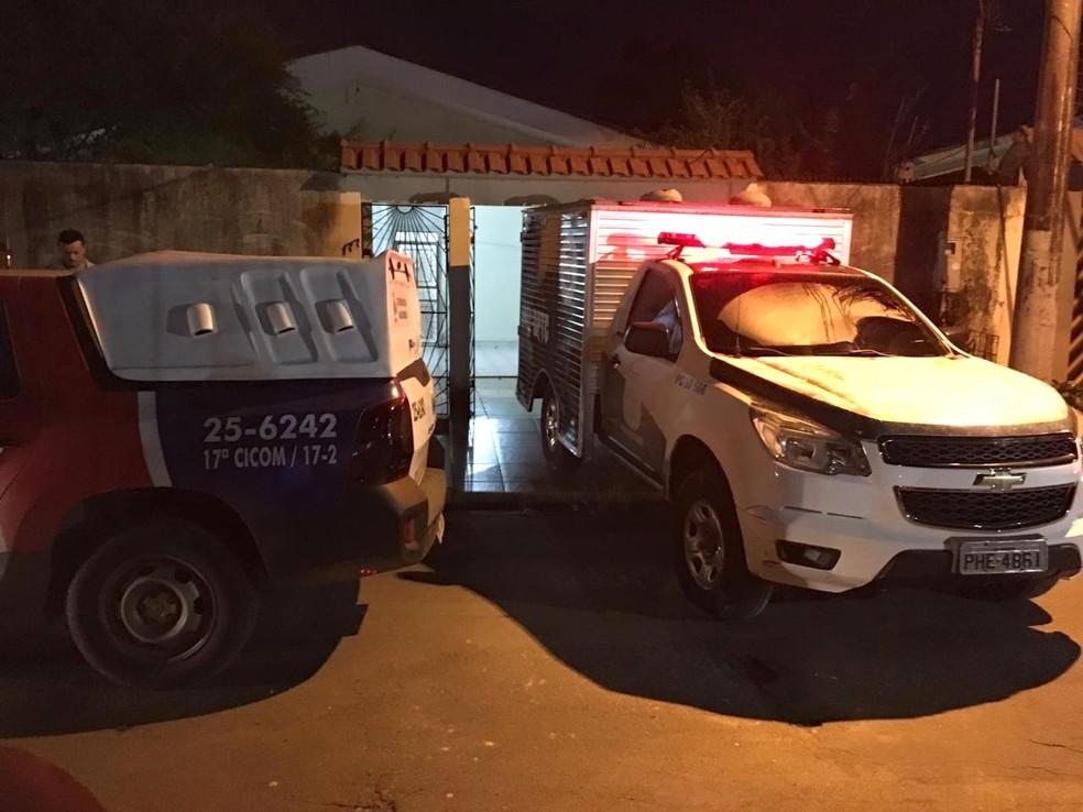 Corpos foram encontrados em banheiros separados — Foto: Rickardo Marques/G1 AM