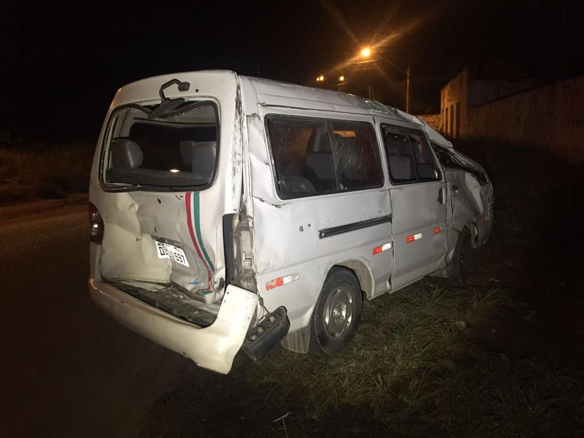 Acidente na Mogi-Dutra deixa dez feridos nesta segunda-feira