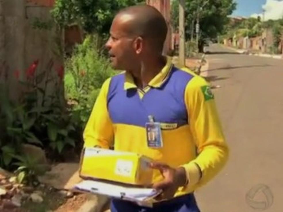 Correios relatam dificuldades para entrega de correspondências no período da tarde — Foto: Reprodução/TVCA