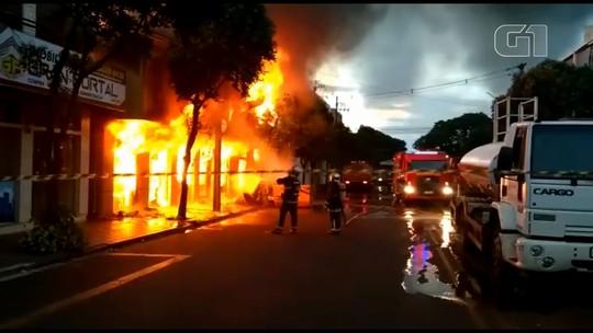 Loja de móveis e eletrodomésticos é destruída por incêndio em Marialva