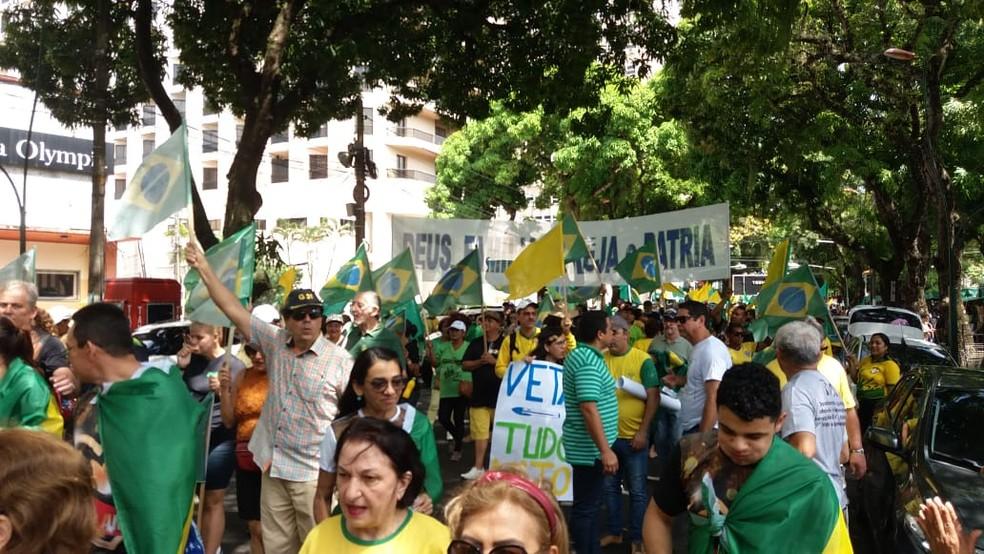 Ato em Belém a favor do governo — Foto: Reginaldo Gonçalves/ TV Liberal