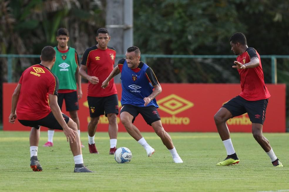 Jogadores do Sport reforçam desejo de buscar o título da Série B — Foto: Marlon Costa/Pernambuco Press