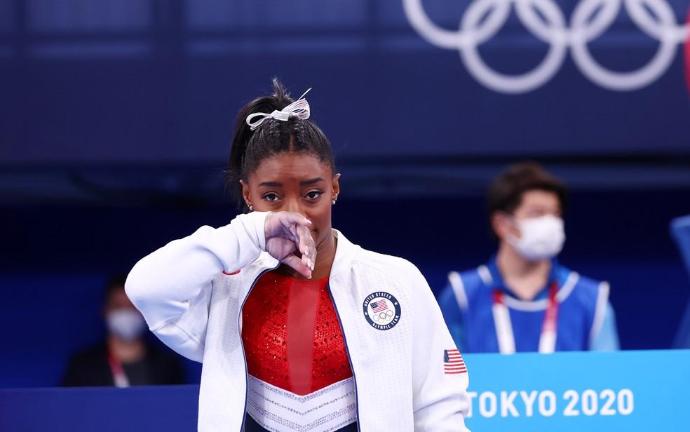 Simone Biles durante as finais da ginástica por equipe — Foto: REUTERS/Mike Blake