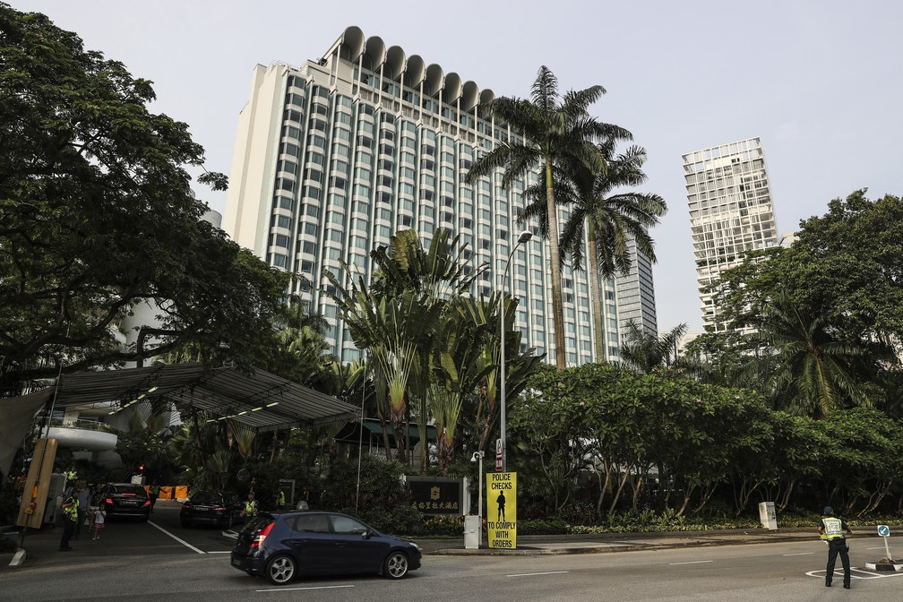 Imagem de arquivo mostra o Hotel Shangri-la, em Singapura, onde poderia ocorrer a cúpula entre Donald Trump e Kim Jong-un (Foto: Yong Teck Lim, File/AP Photo)