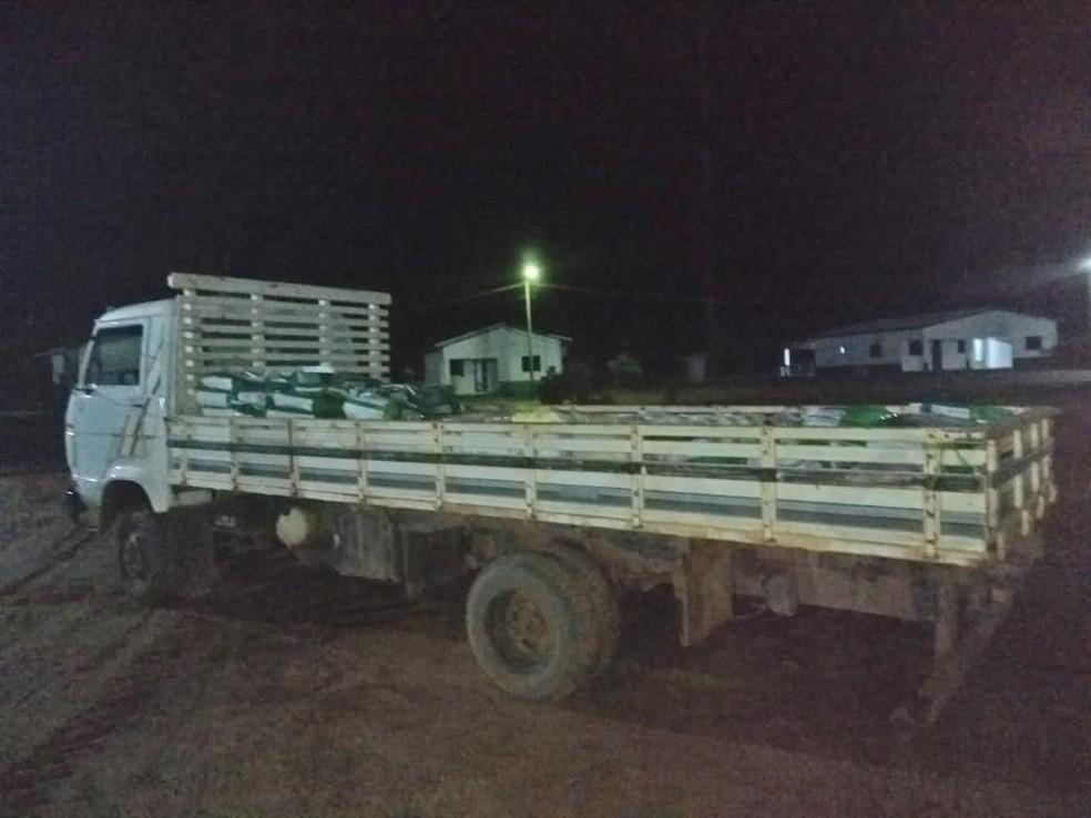 Sete homens armados invadiram fazenda em Nova Maringá e levaram parte dos produtos agrotóxicos — Foto: Polícia Militar de Mato Grosso/Divulgação