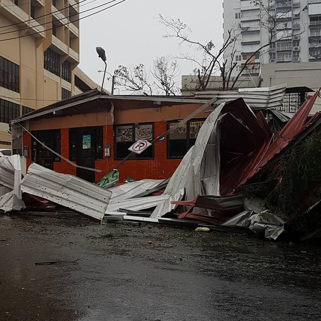 Imagem de destruição em San Juan, capital de Porto Rico, após a passagem do furacão Maria