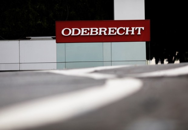 Logo da empreiteira Odebrecht em escritório da empresa em São Paulo (Foto: Nacho Doce/Reuters)
