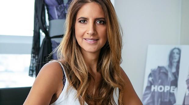 Sandra Haya Chayo, diretora de marketing da Hope. Ela e suas duas irmãs deram personalidade à lingerie e aos pontos de venda da empresa (Foto: Franco Amêndola)